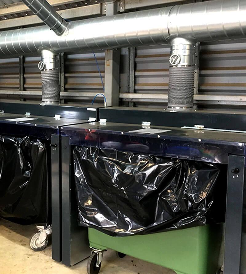 Rensningslock till 660 liters containrar.