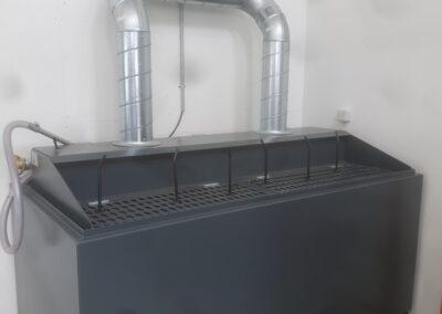 Spildolietank med indbygget trykluftpumpe