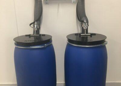 Udsugning fra 220 liter fraktionstønder